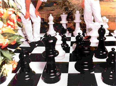 Juegos de ajedrez y damas grandes y gigantes inforchess for Ajedrez gigante para jardin