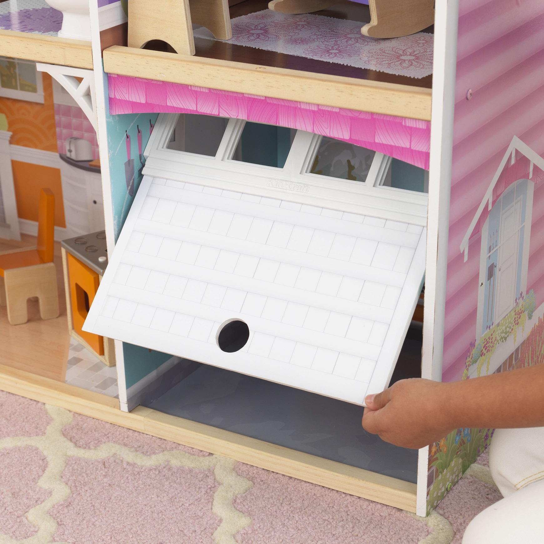 Detalle del garaje de kidkraft casa de muñecas avery 65943