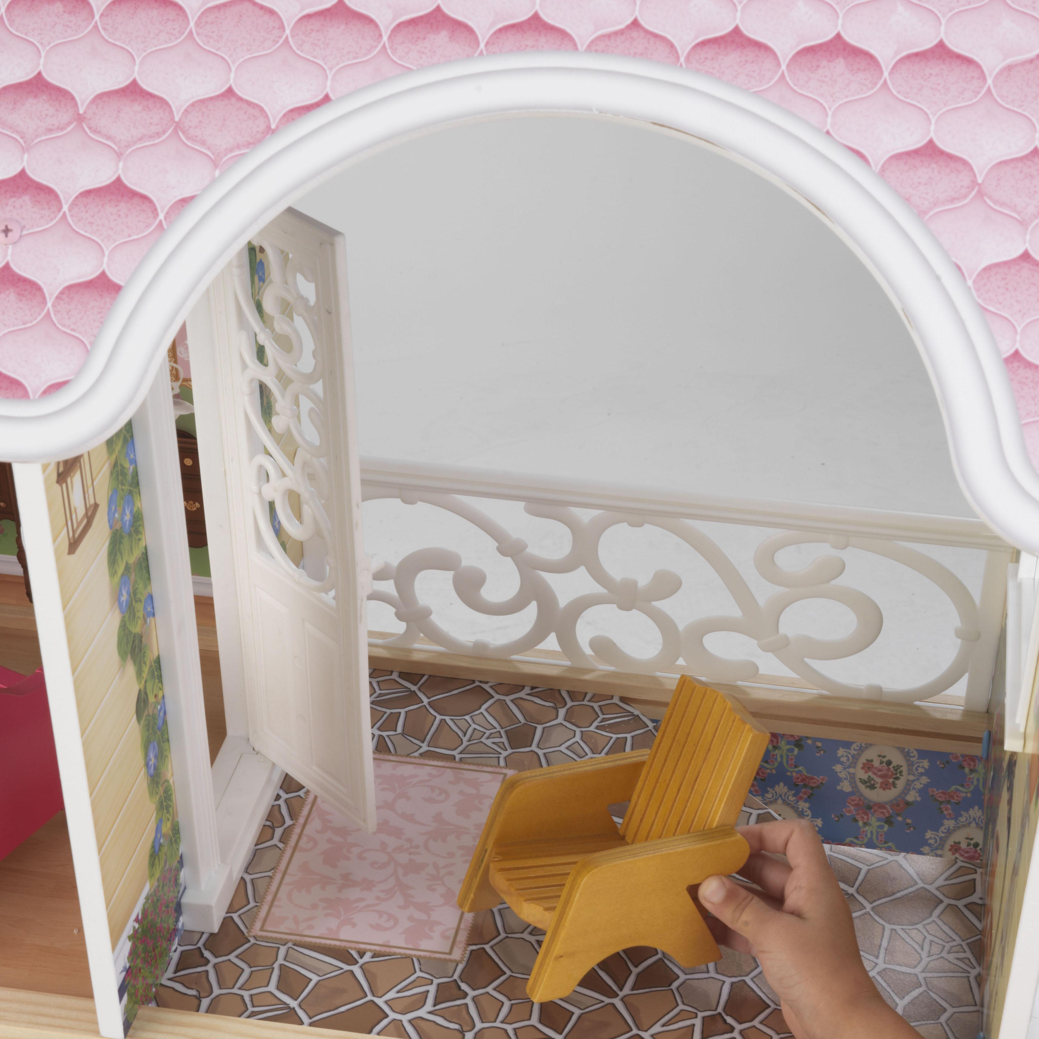 Detalle de la terraza con silla de Kidkraft mansion magnolia 65839 width=