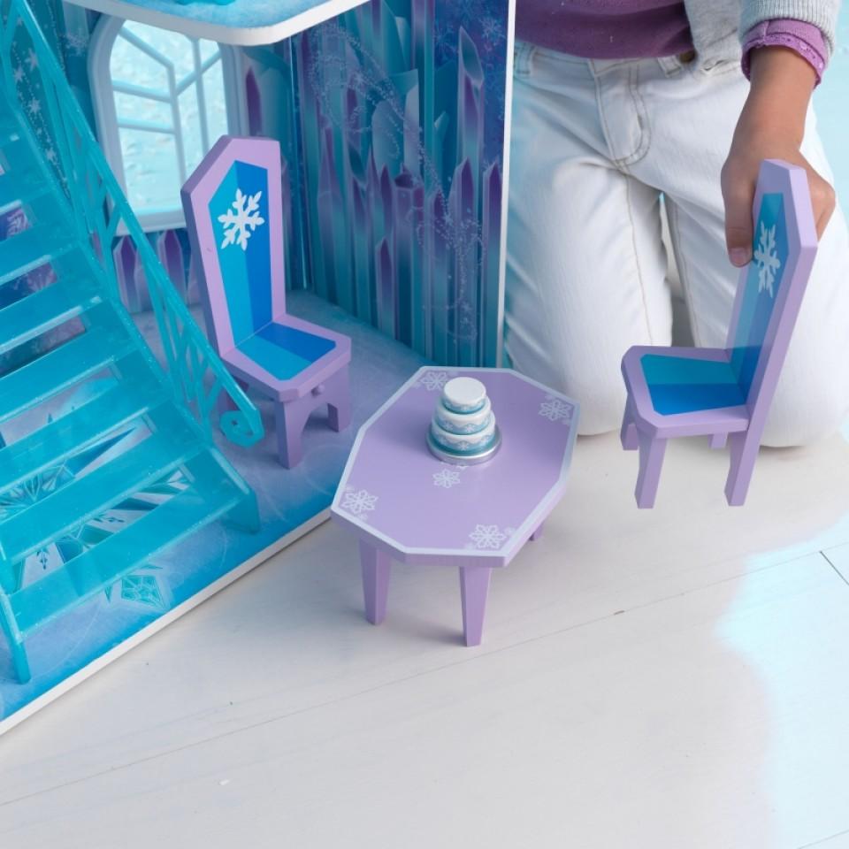 Detalle de mesas y sillas de Kidkraft casa de muñecas castillo de hielo 65881 width=