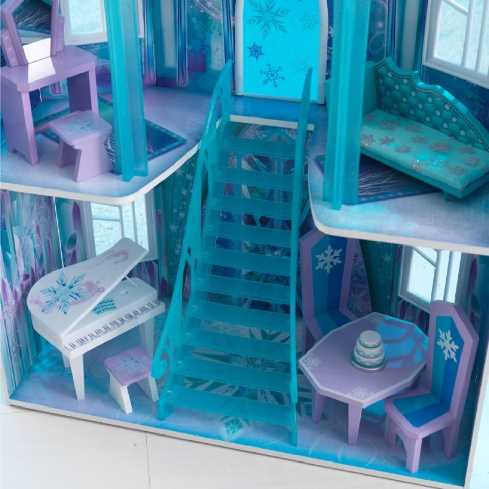 Detalle escalera principal y accesorios de Kidkraft casa de muñecas castillo de hielo 65881 width=