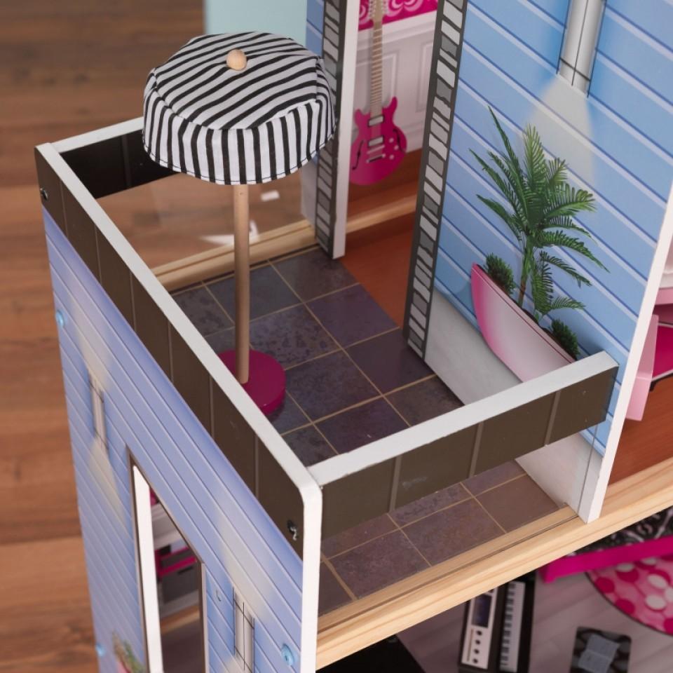 Detalle terraza con sombrilla de kidkraft casa de muñecas estilo mansion de lujo 65826 width=