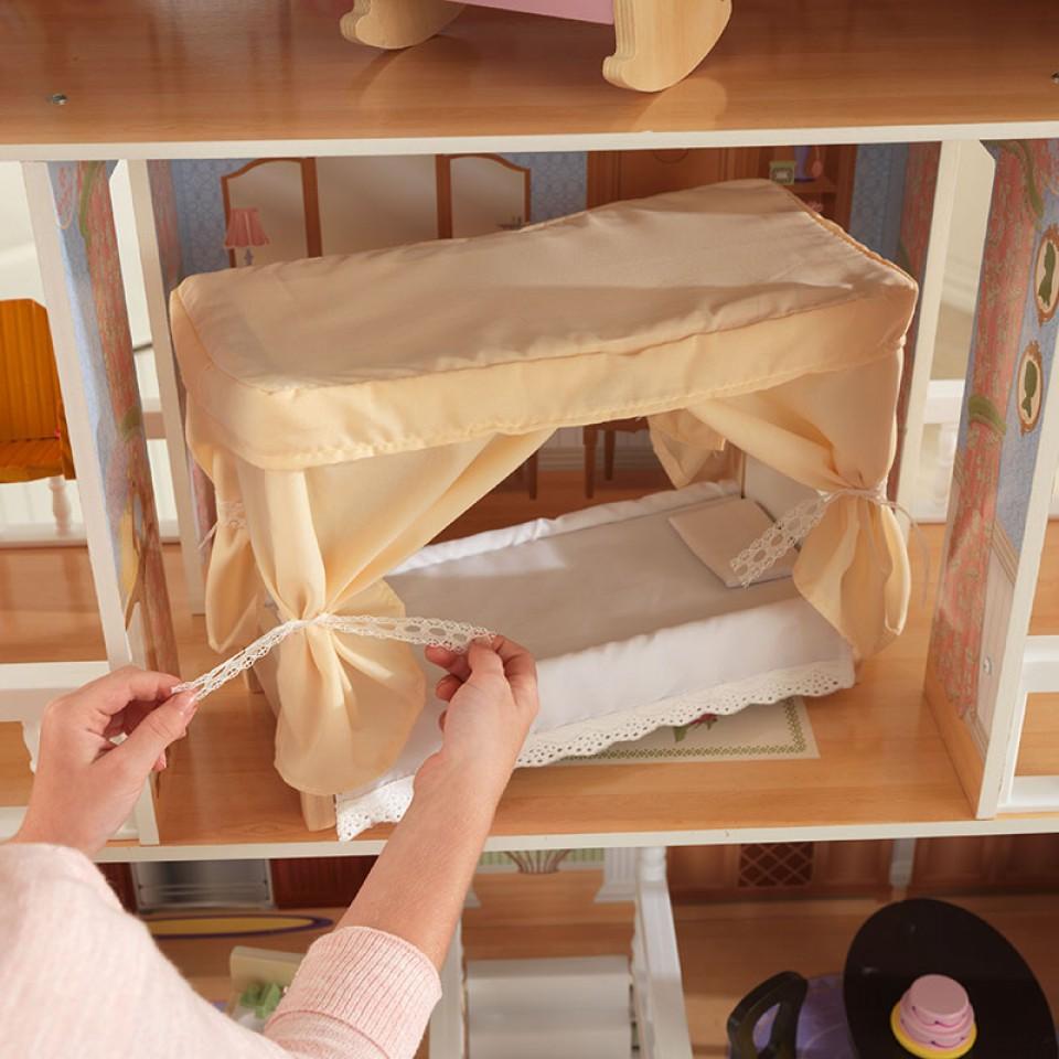 Detalle del dormitorio de kidkraft casa de muñecas savannah 65023 width=