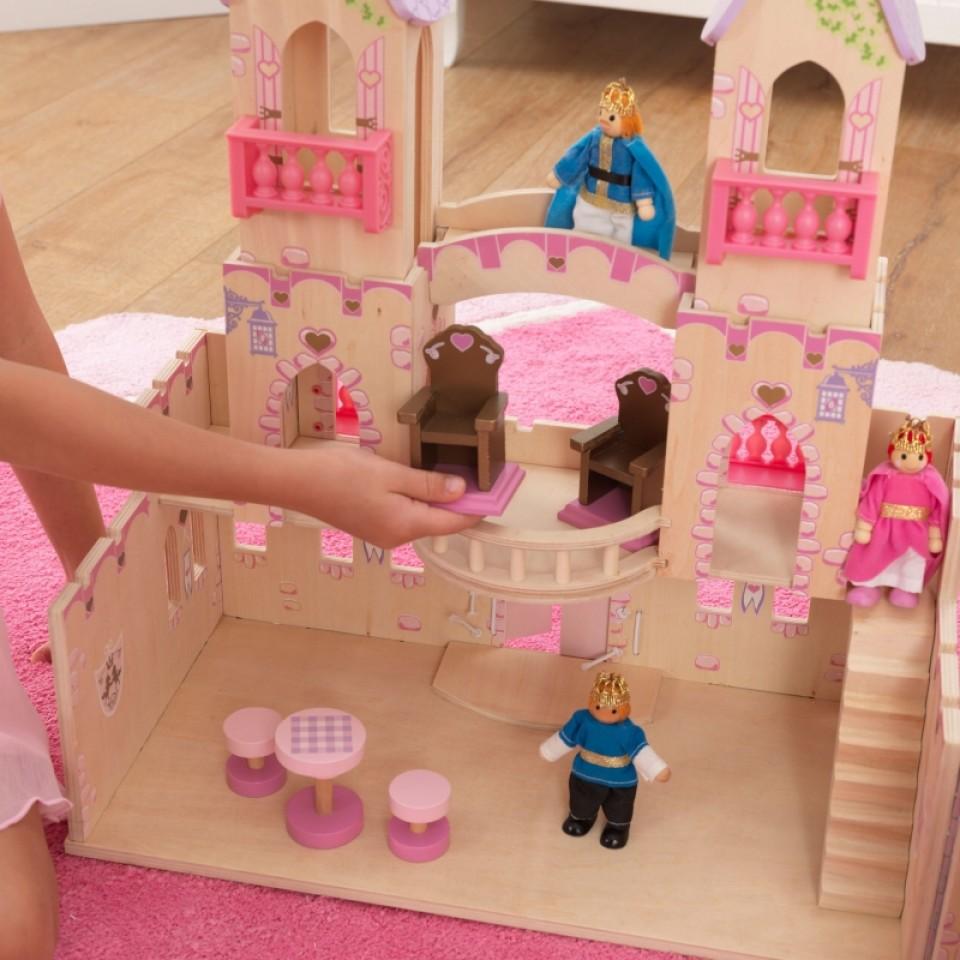 Detalle accesorios puestos en el castillo de princesas 65259 kidkraft width=