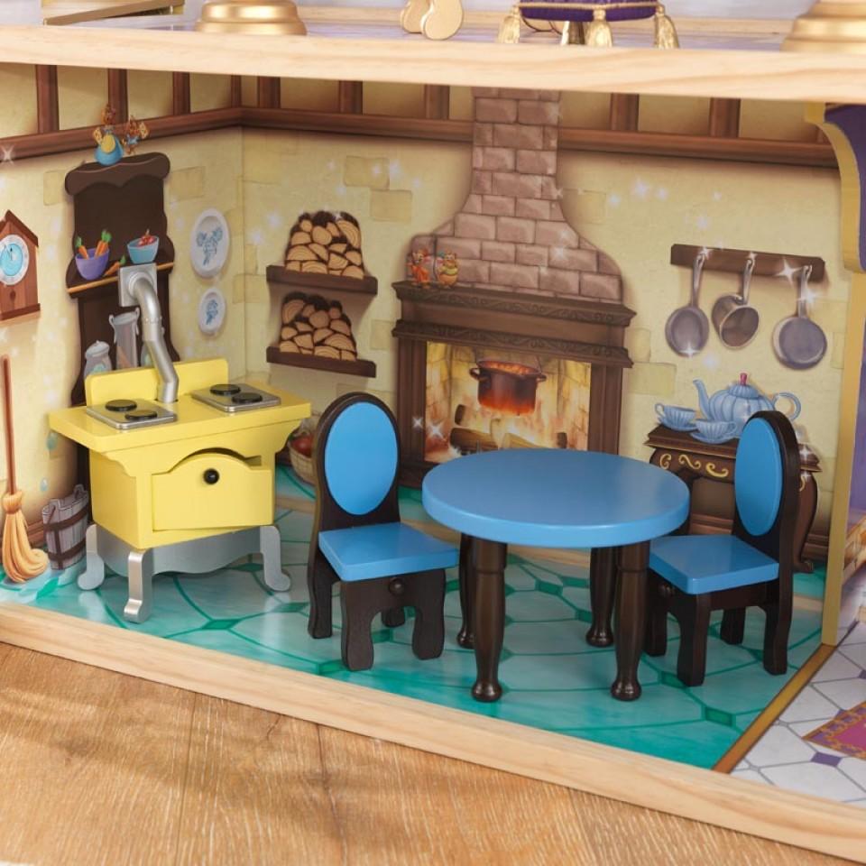 Detalle salón con mesa y sillas de kidkraft castillo real de cenicienta 65400 width=