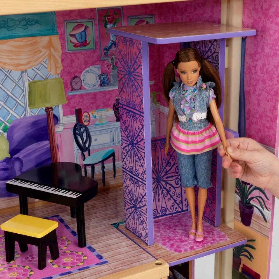 Detalle de muñeca en ascensor de kidkraft la mansion de mis sueños 65082 width=