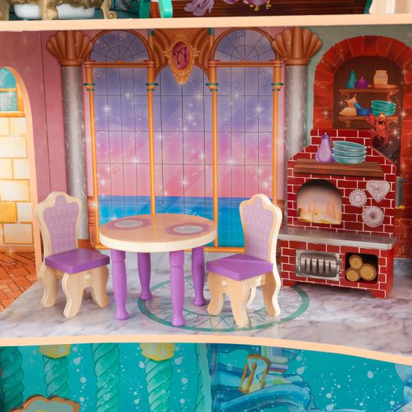 Detalle de mesa y sillas de kidkraft palacio de ariel 65939