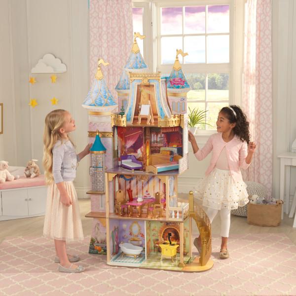Niñas jugando con su casa de muñecas kidkraft disney princess royal celebration 65962