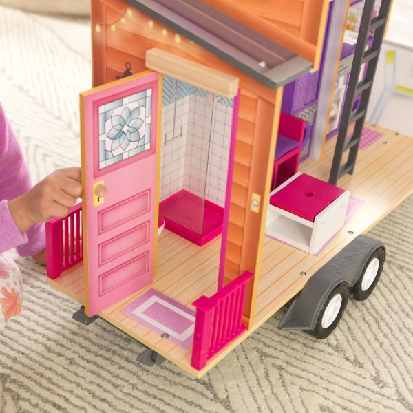 Detalle de la entrada de la casa de muñecas kidkraft 65948 teeny house width=