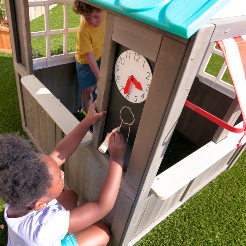 Casita de madera para exterior de niños coastal cottage  reloj