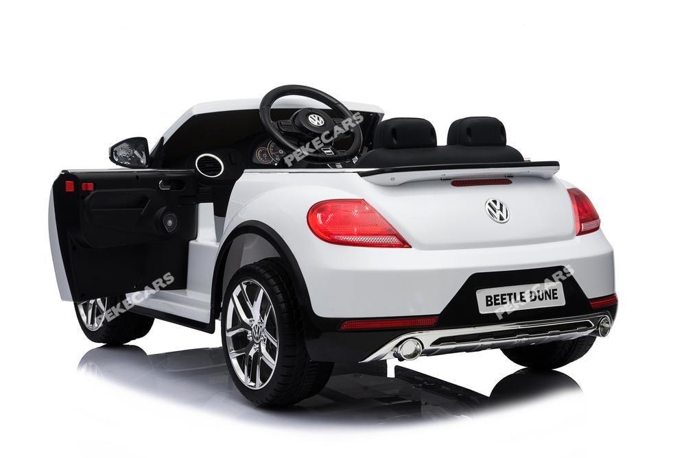 Vista trasera  marca Volkswagen del Beatle Dune para ninos con apertura de puertas