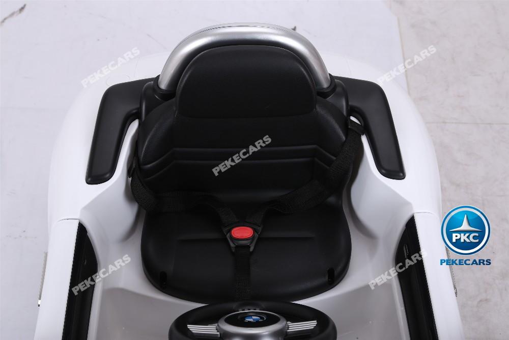 Bmw Z8 blanco asiento