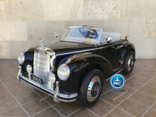 Mercedes 300S negro