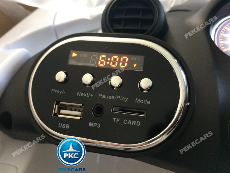 Mercedes gtr Blanco Inforchess detalle dashboard