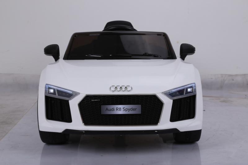 Audi infantil R8 Spider 12V 2.4G color white  vista frontal width=