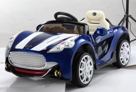 GT deportivo azul metalizado lateral izquierdo