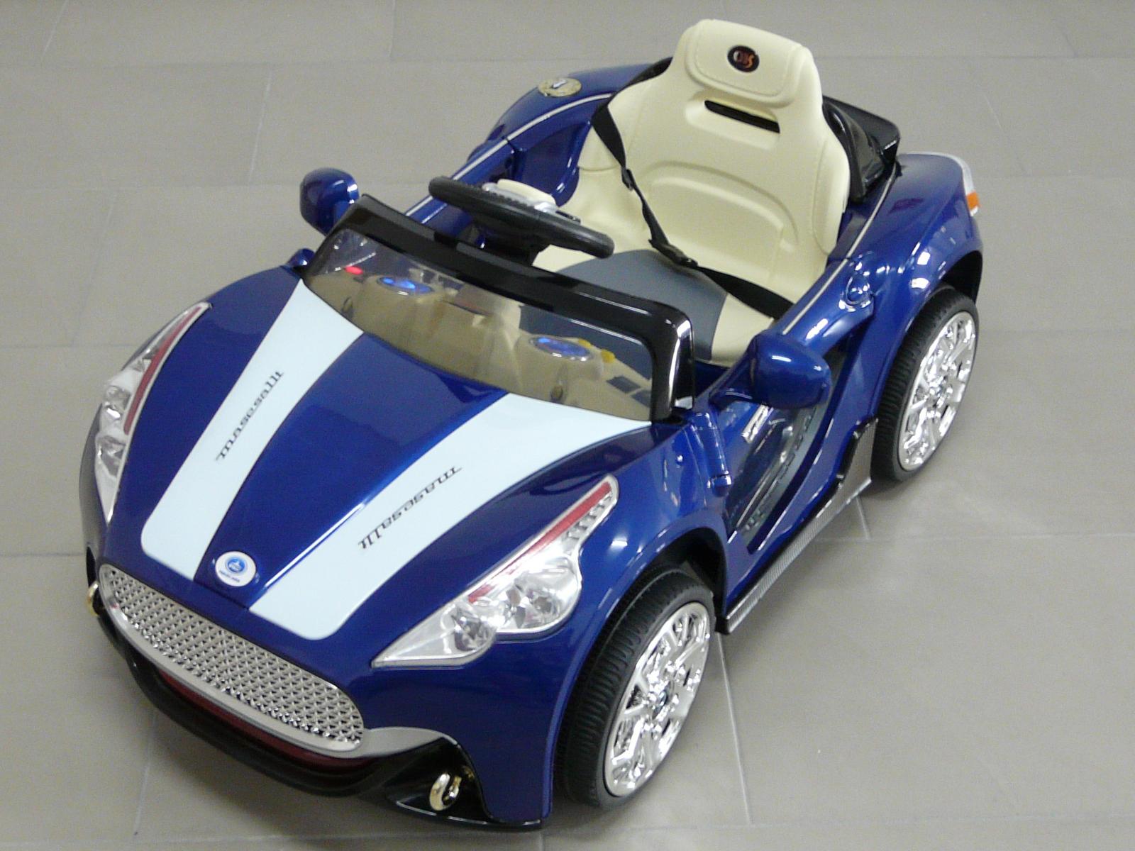 GT deportivo azul superior