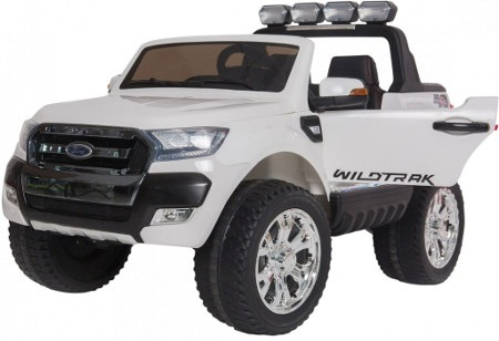 Ford ranger blanco version superior con pantalla MP4
