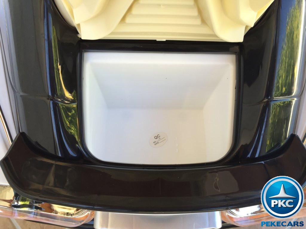 GT deportivo blanco maletero width=