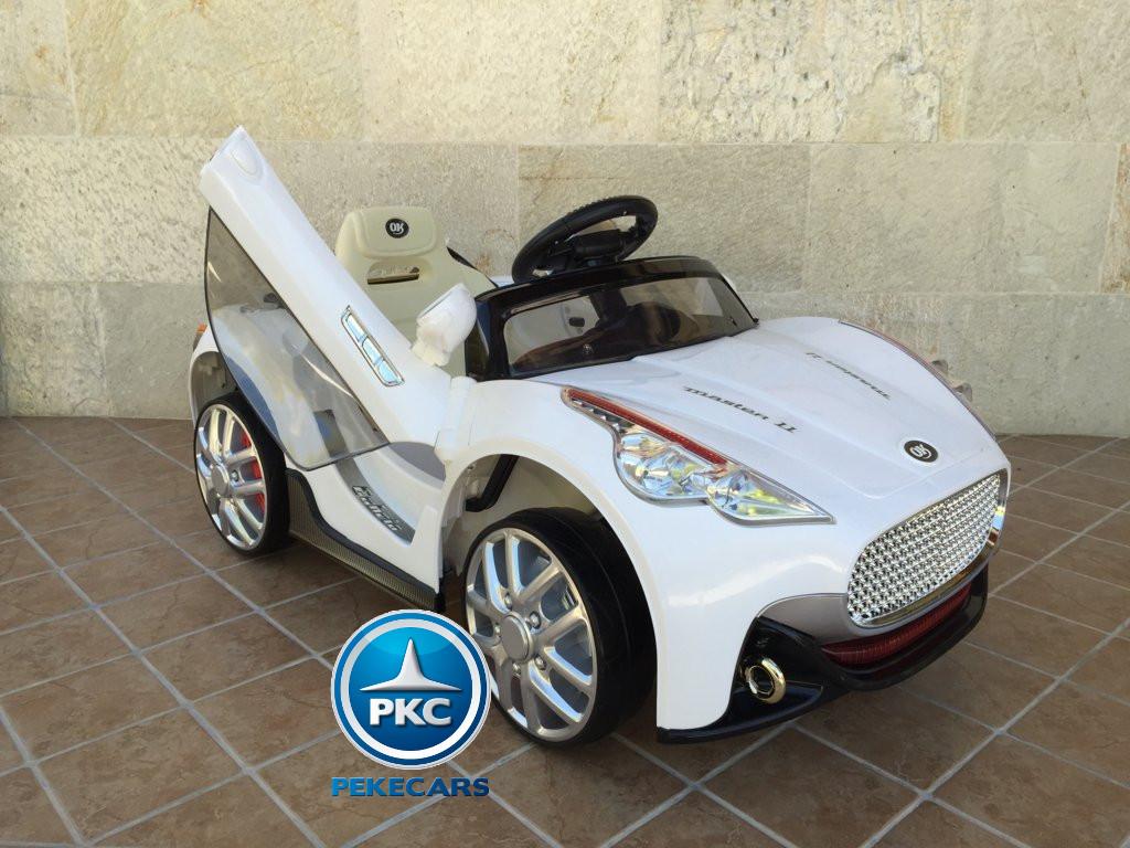 GT deportivo blanco lateral derecho2 width=