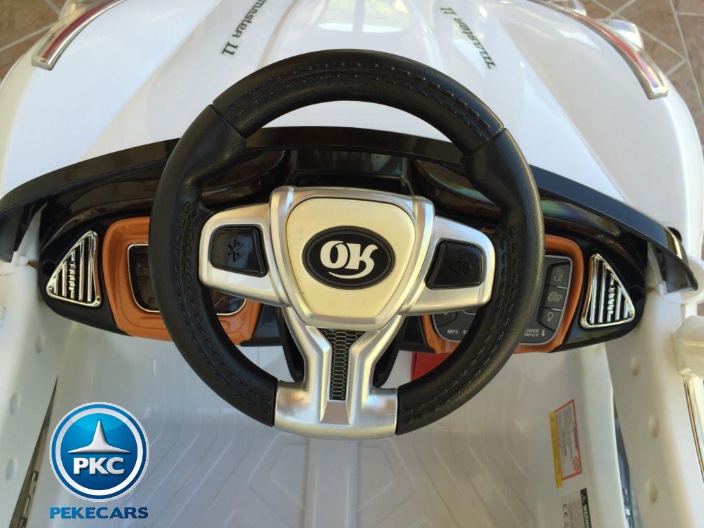 GT deportivo blanco volante width=