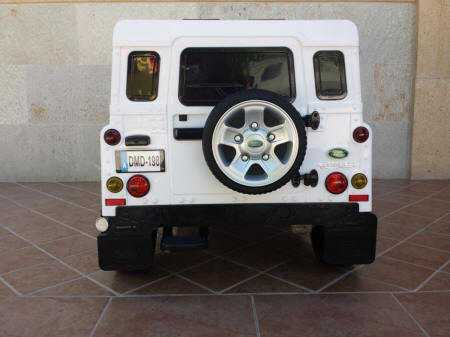 Jeep Land Rover Defender 12V 2.4G Blanco vista trasera