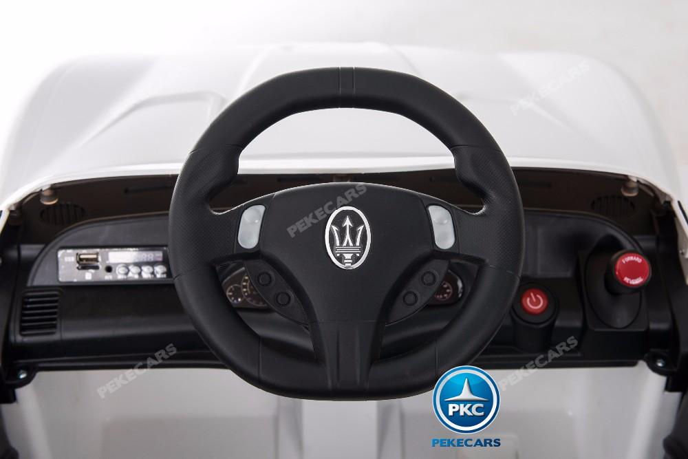 Maserati gran turismo blanco