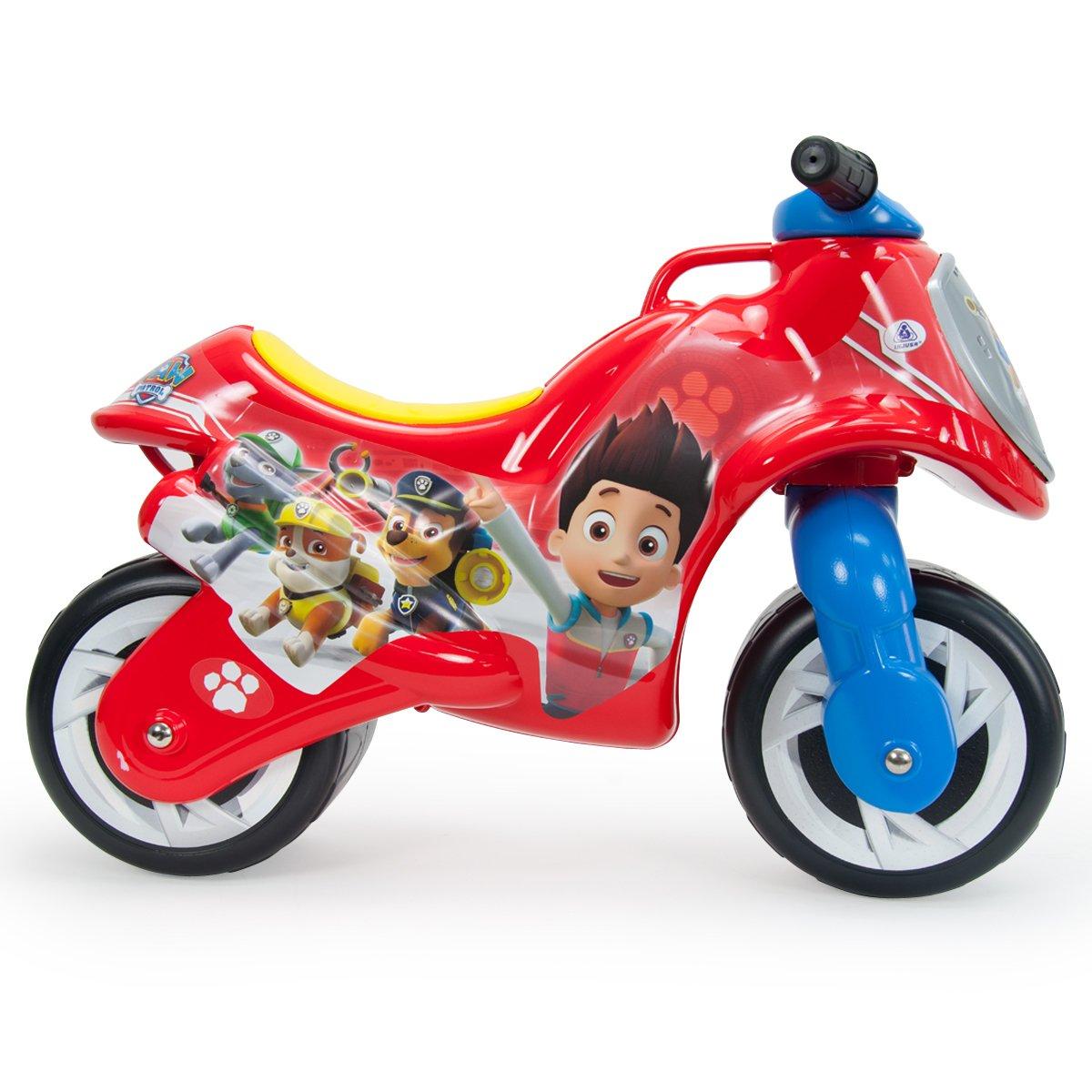 moto con dos ruedas roja