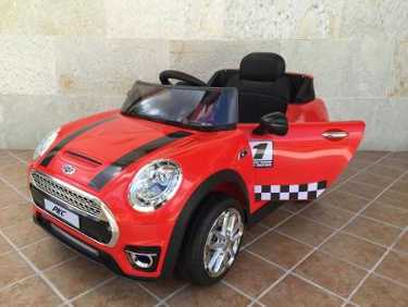 Mini luxe style 12V infantil rojo con rc y mp3 Pekecars