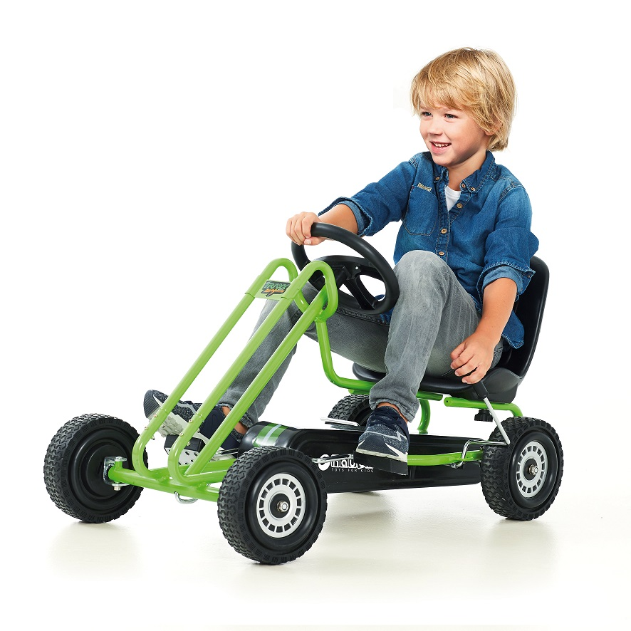 Kart a pedales Lightning verde - vista con niño