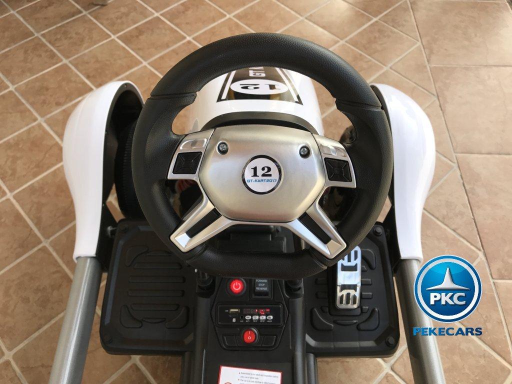 Detalle del volante del pekecars go-kart 12v 2.4g rc blanco
