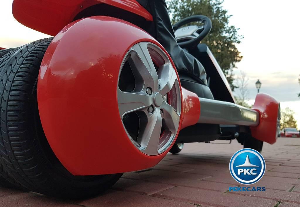 Detalle embellecedores de las ruedas del Pekecars go-kart 12v 2.4g rc rojo width=