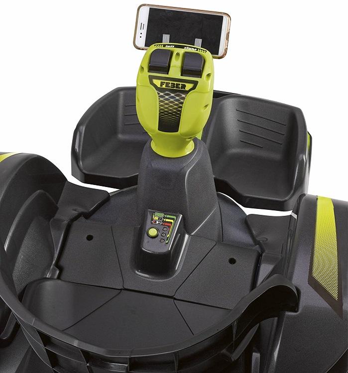 Detalle del asiento y volante del mad racer 12v