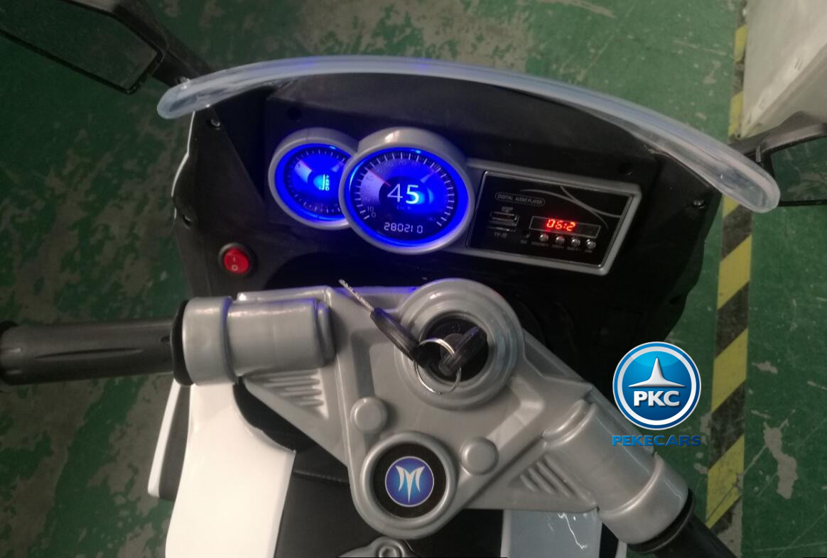 MOTO BMW STYLE C 650 BLANCA MANILLAR