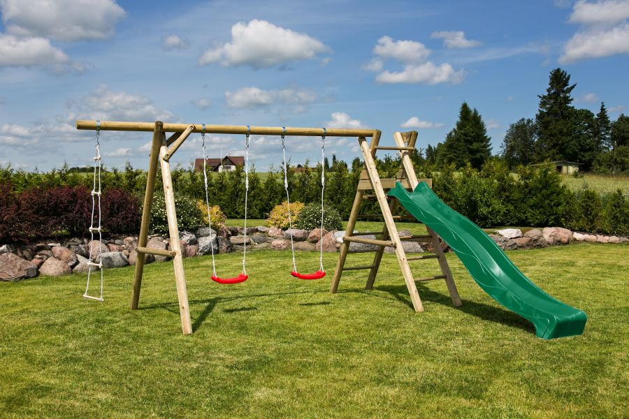 Parque Infantil Henrik con tobogan - vista jardin