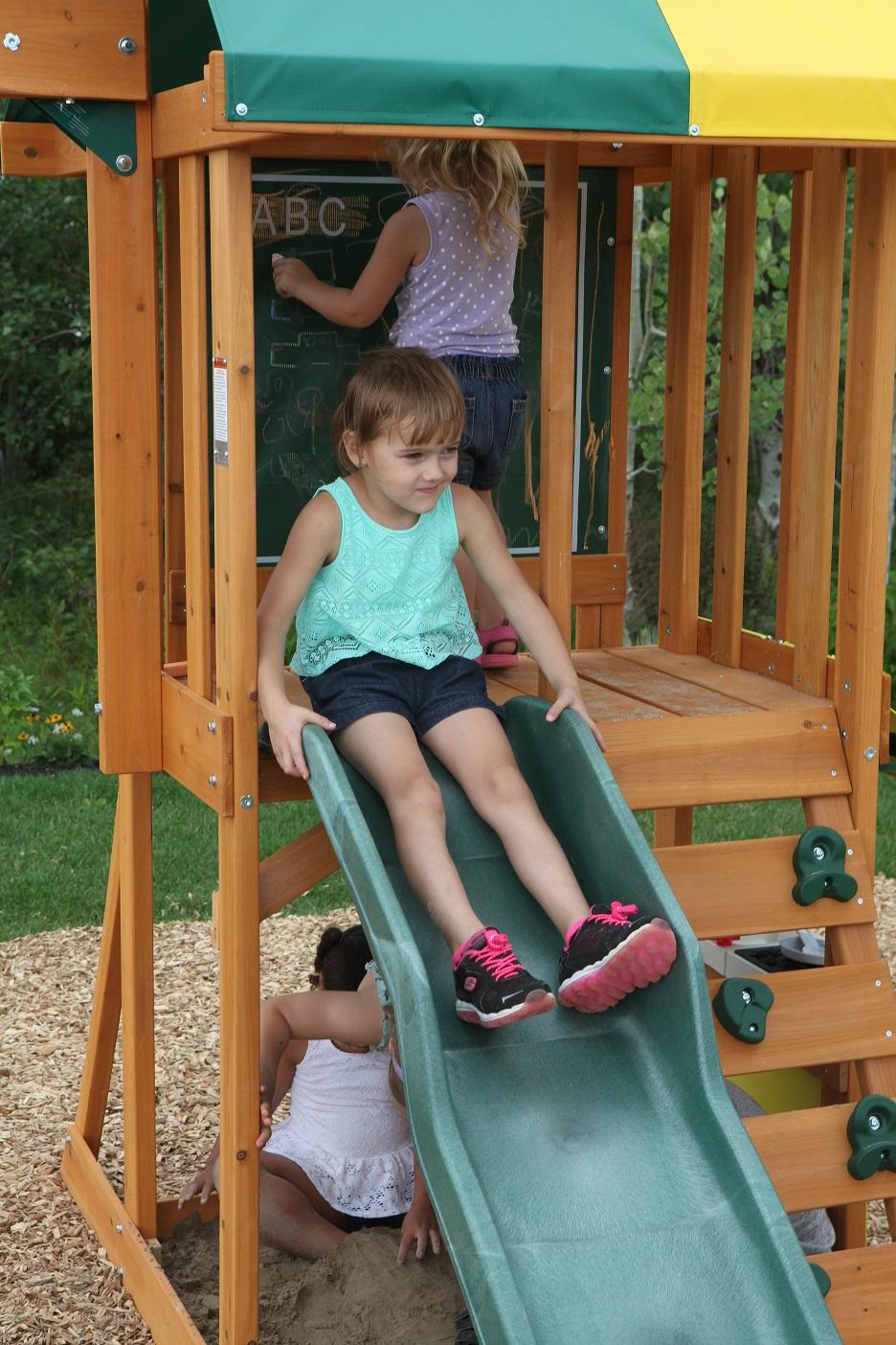 Parque para Niños de Madera Sun Bistro de Kidkraft - tobogan