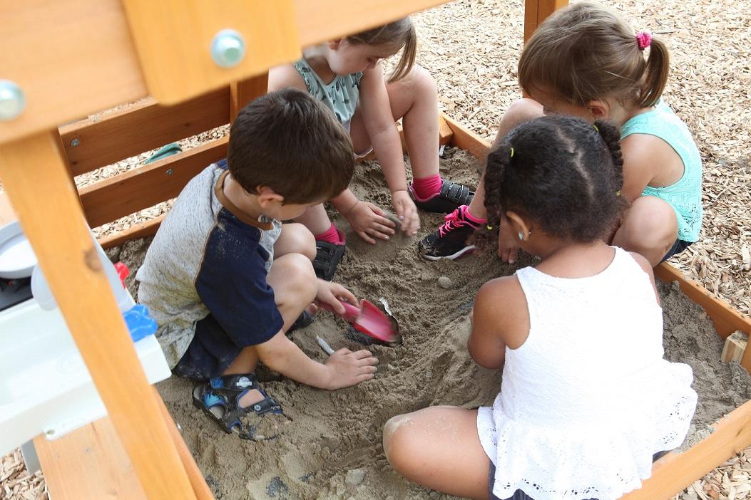 Parque para Niños de Madera Sun Bistro de Kidkraft - arenero