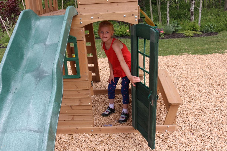 Parque para Niños de Madera Windale de Kidkraft- puerta de entrada