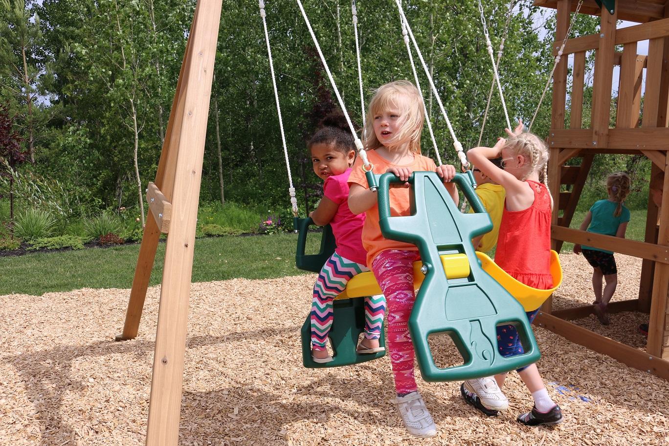 Parque para Niños de Madera Windale de Kidkraft - asiento palanca