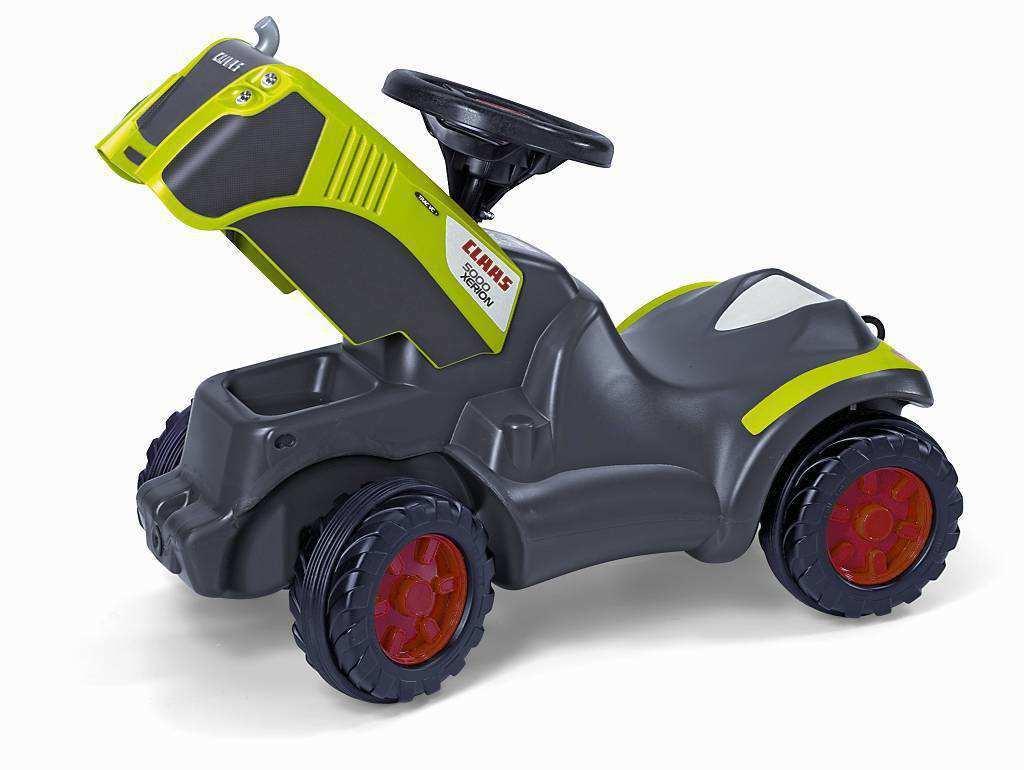 Detalle capó abierto mini tractor class xerion