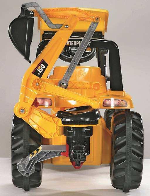Detalle de la parte trasera del tractor cat con pala delantera y excavadora trasera