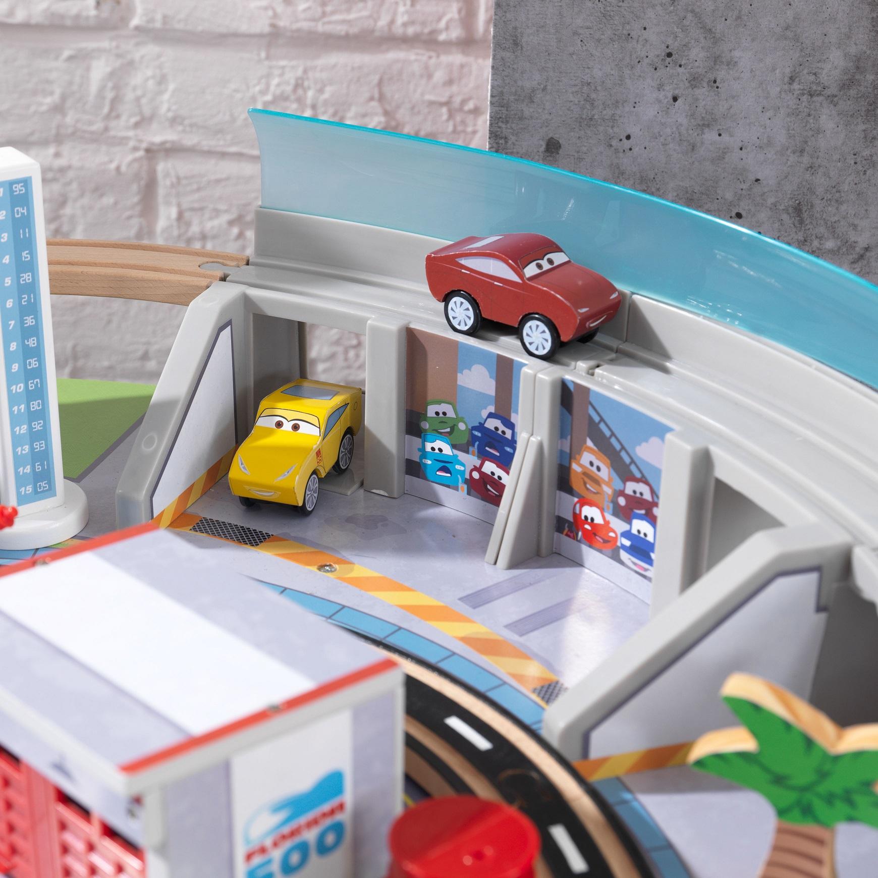 Coches en el autodromo de florida con mesa disney® pixar cars 3 17210
