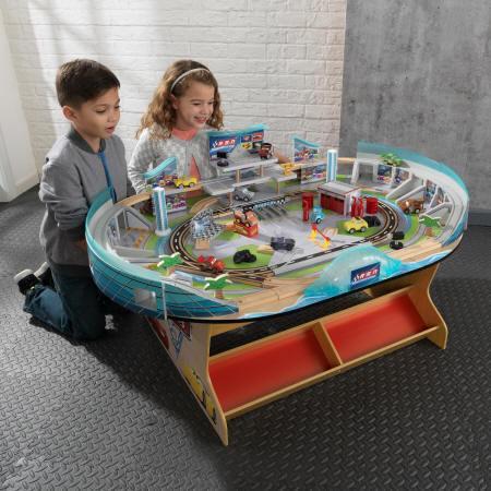 Niños con su autodromo internacional de florida disney® pixar cars 3 18014