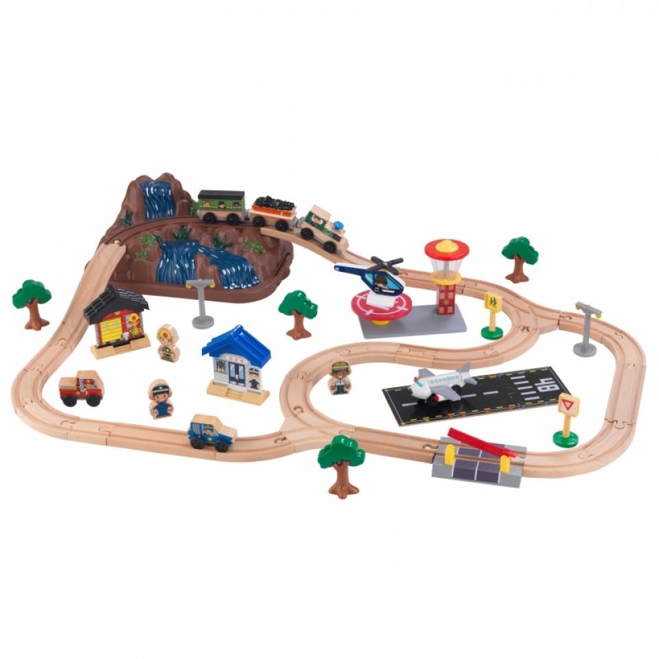 Imagen con todos los detalles de kidkraft circuito vias de tren con montaña y accesorios 17826