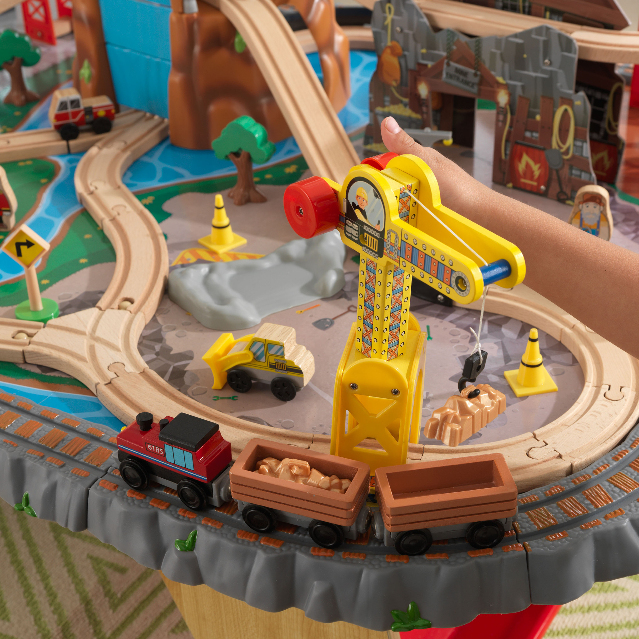 Kidkraft set de trenes con mesa bajo la cascada 17498-002