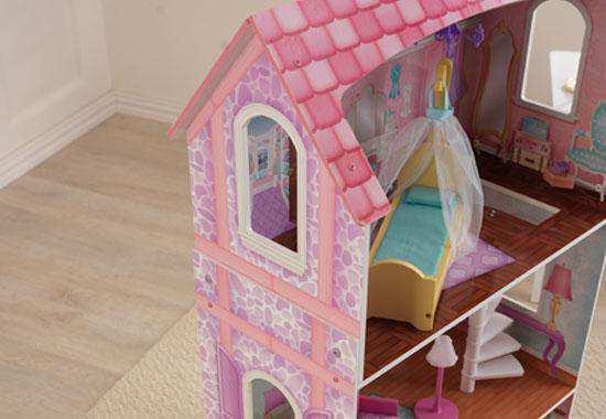 Detalle vista lateral de kidkraft casa de muñecas 65179 penelope