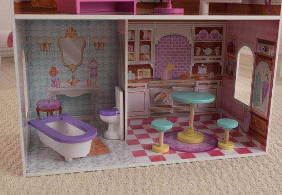 Detalle cocina y baño de kidkraft casa de muñecas 65179 penelope