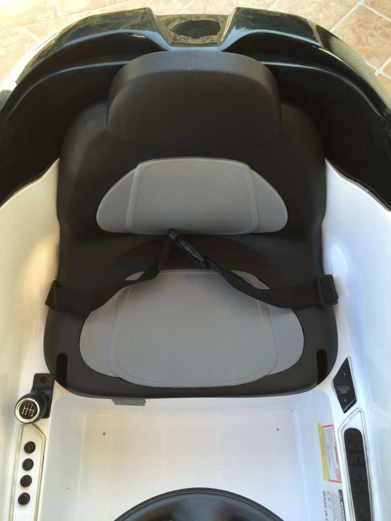 mini hatch blanco asiento width=