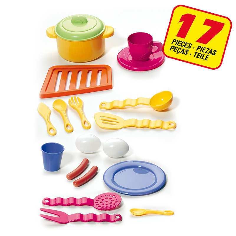 Vista de los 17 accesorios de que dispone la cocina
