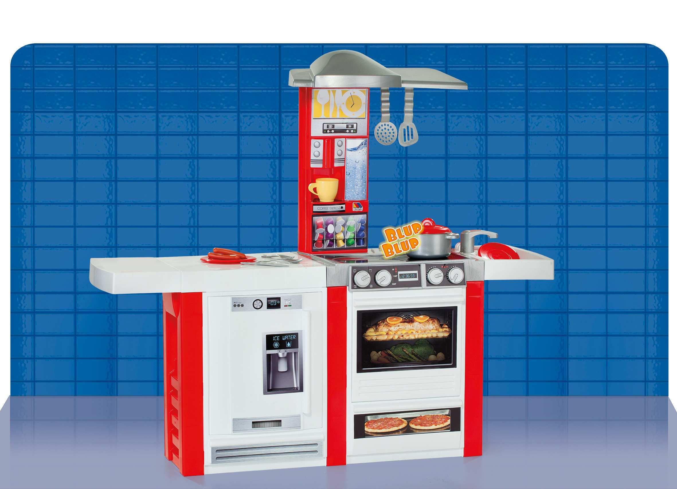 Cocina vista desde frente width=